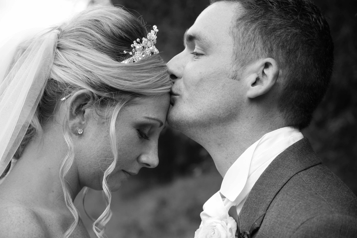 Buxton Wedding Photographer offers his advice